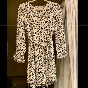 Cute animal print dress. Size: SPetite